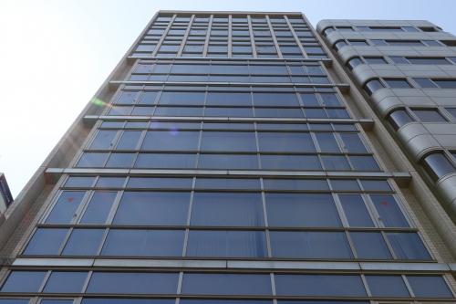 横浜オフィスビル外観